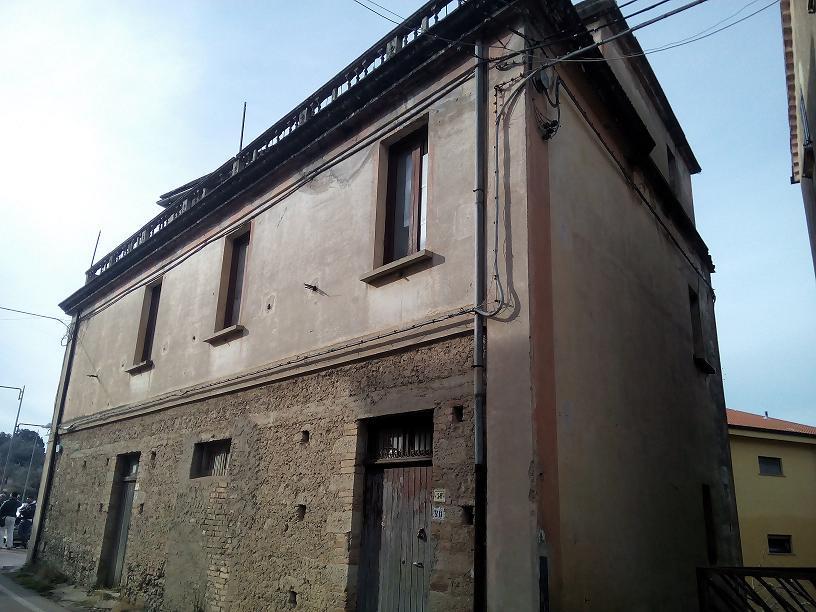 Rustico / Casale in vendita a Carolei, 5 locali, prezzo € 53.000 | CambioCasa.it