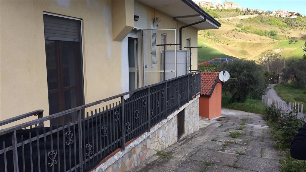 Soluzione Indipendente in affitto a Rende, 2 locali, zona Località: MALVITANI, prezzo € 250 | CambioCasa.it