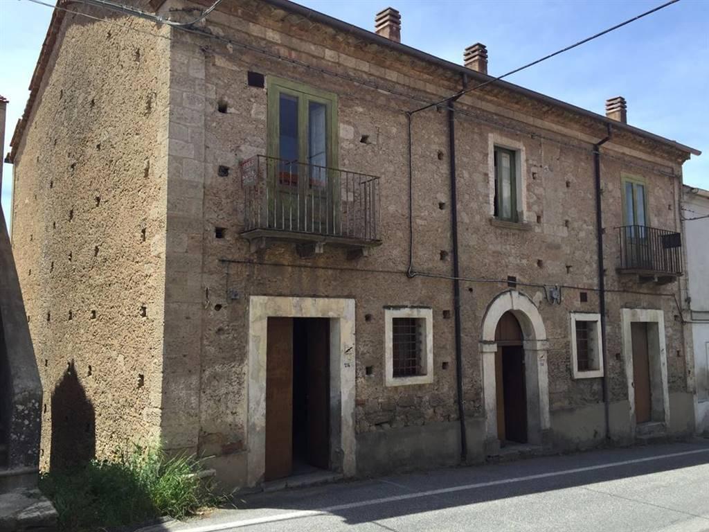 Rustico / Casale in vendita a Carolei, 7 locali, prezzo € 68.000 | CambioCasa.it