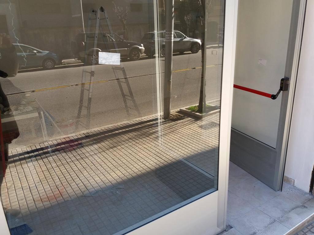 Affitto negozio paola negozi paola in affitto pag 2 for Negozi arredamento cosenza