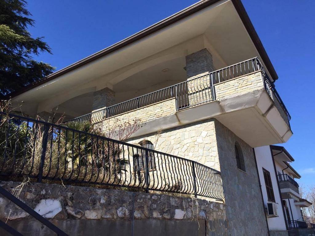 Soluzione Indipendente in vendita a Cerisano, 6 locali, prezzo € 248.000 | CambioCasa.it