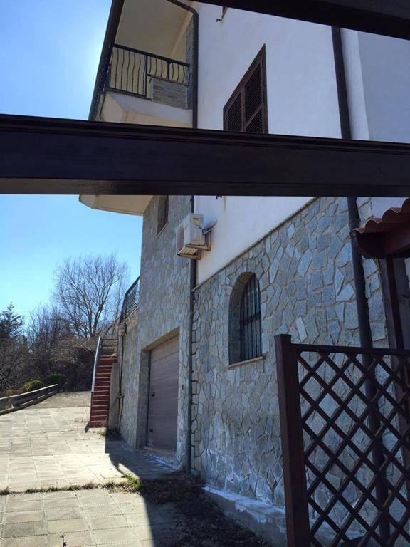 Soluzione Indipendente in vendita a Cerisano, 3 locali, prezzo € 95.000 | CambioCasa.it