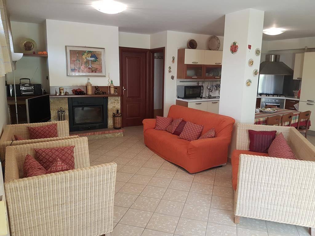 Villa Bifamiliare in affitto a Mendicino, 6 locali, prezzo € 650   CambioCasa.it