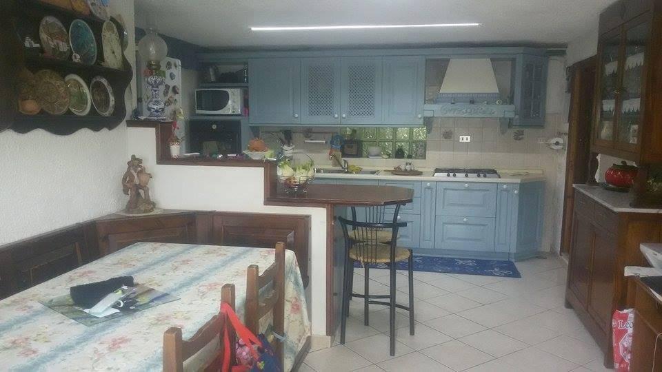 Villa in vendita a Carolei, 6 locali, zona Zona: Monache, prezzo € 119.000 | CambioCasa.it