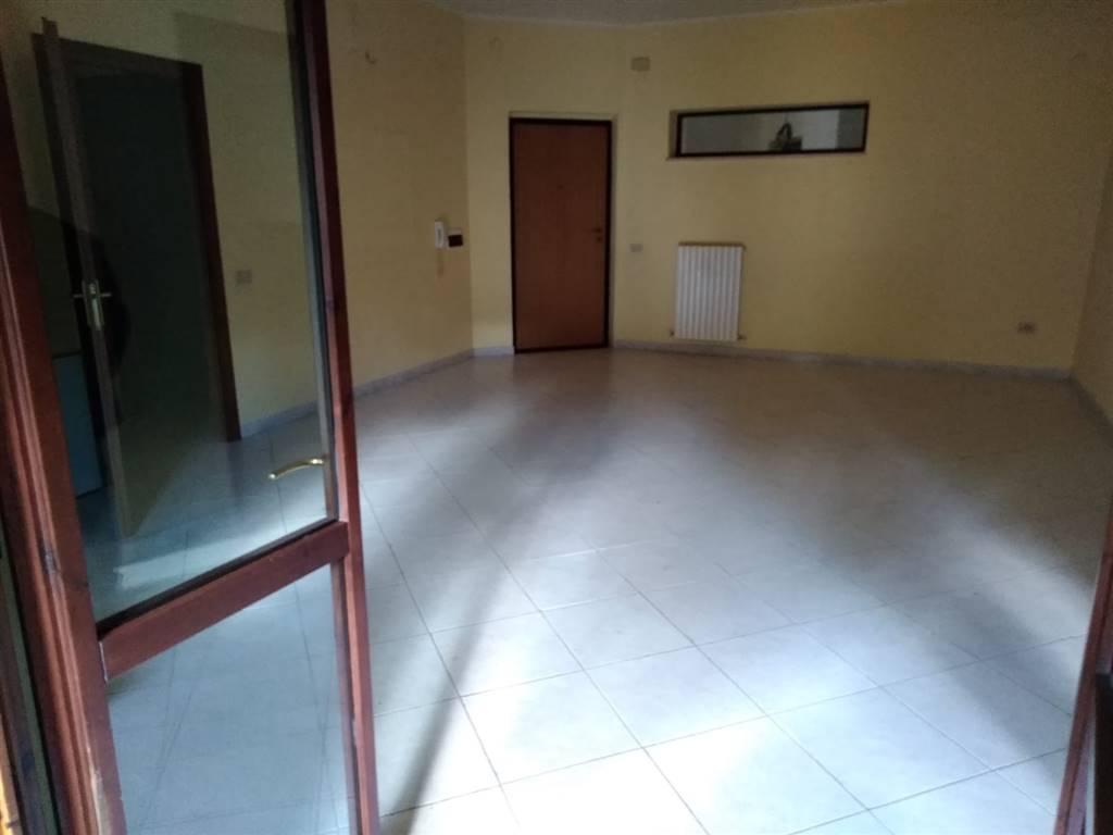 Appartamento in affitto a Mendicino, 4 locali, zona Località: PASQUALI, prezzo € 330   CambioCasa.it