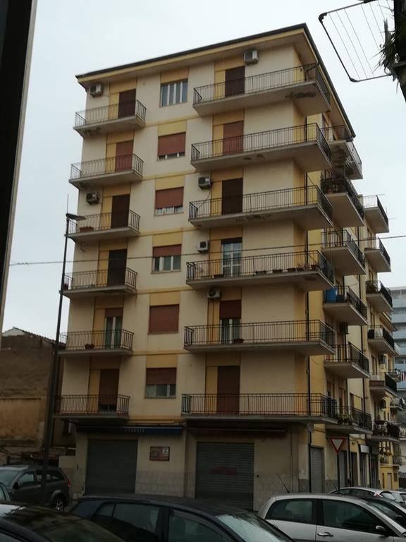 Quadrilocale, Via Panebianco, Cosenza, ristrutturato