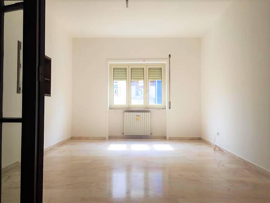 Trilocale, Via Panebianco, Cosenza, ristrutturato