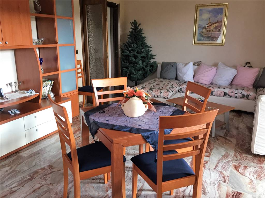 SETTIMO, MONTALTO UFFUGO, Apartment for sale of 127 Sq. mt., Excellent Condition, Heating Individual heating system, Energetic class: G, placed at 2°,