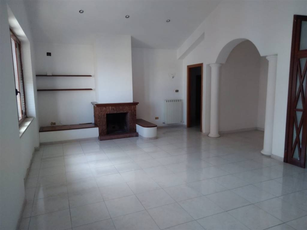 ROSARIO, MENDICINO, Apartment for rent of 140 Sq. mt., Excellent Condition, Heating Individual heating system, Energetic class: G, placed at 3°,