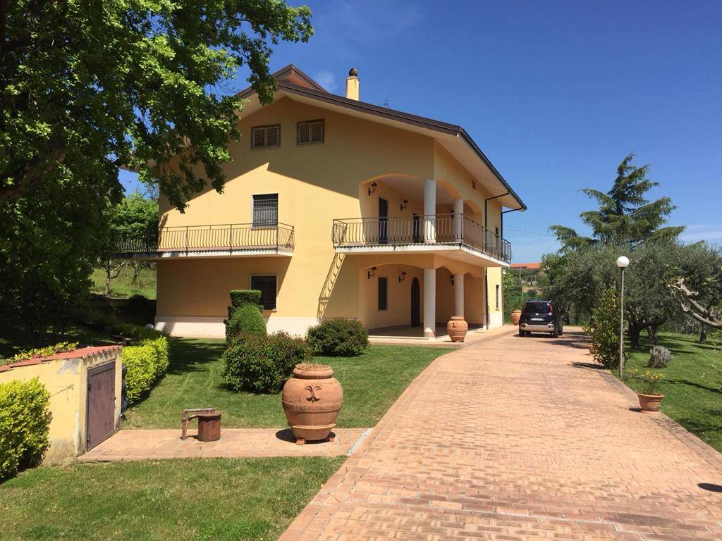 Villa in vendita a San Vincenzo la Costa, 5 locali, zona Zona: San Sisto Dei Valdesi, prezzo € 350.000 | CambioCasa.it