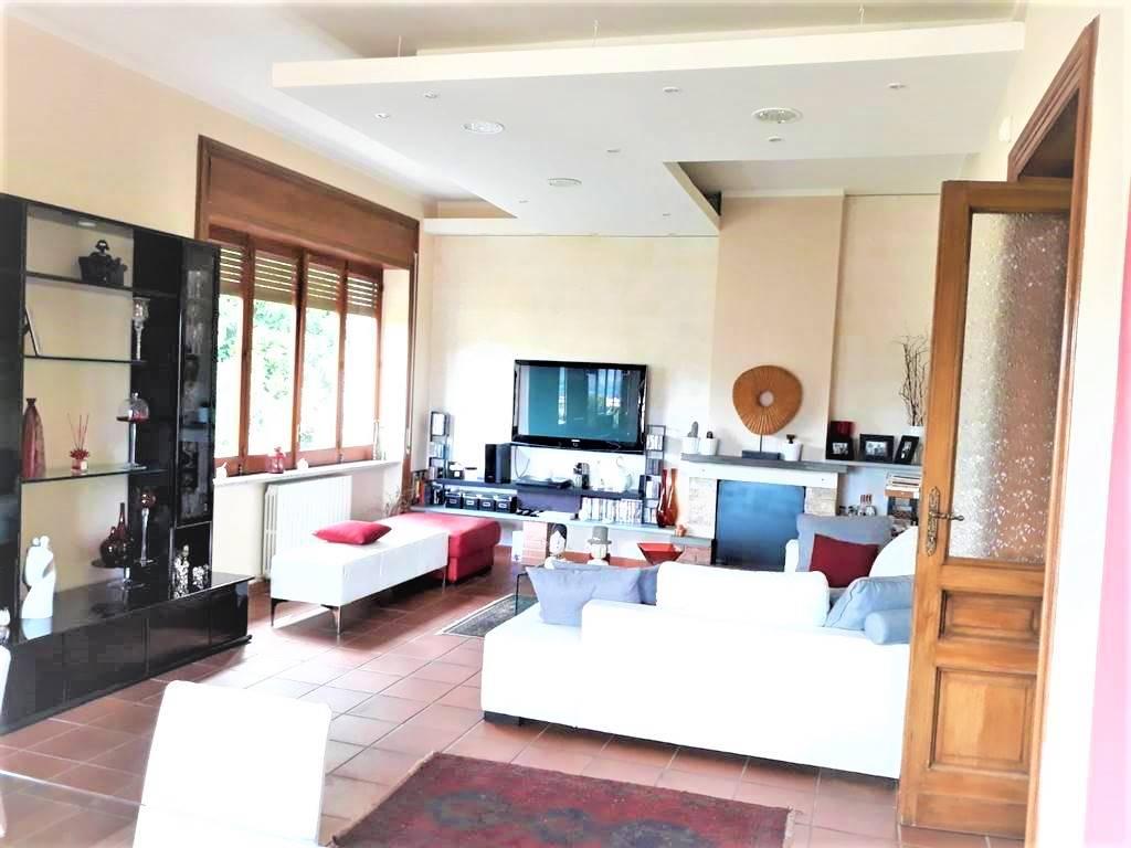 Appartamento in vendita a Cosenza, 6 locali, zona o Piccolo, prezzo € 250.000 | PortaleAgenzieImmobiliari.it