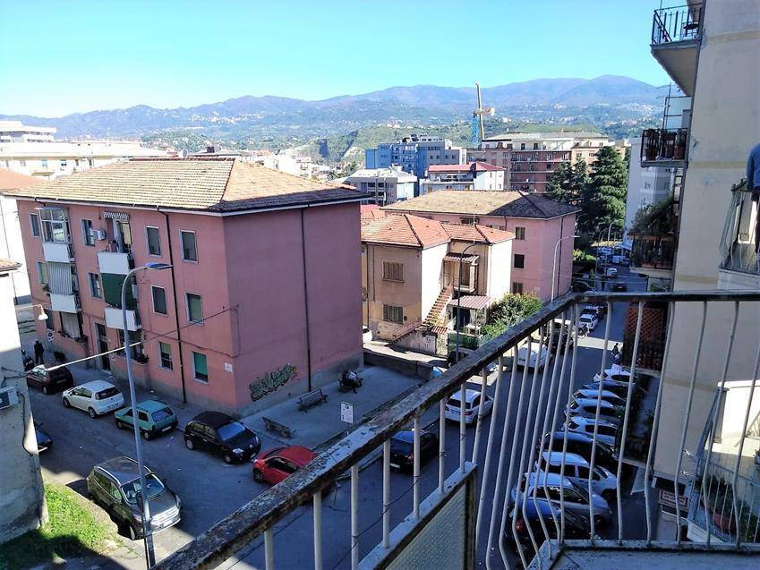 PIAZZA EUROPA, COSENZA, Apartment for sale of 140 Sq. mt., Excellent Condition, Heating Individual heating system, Energetic class: G, placed at 3°