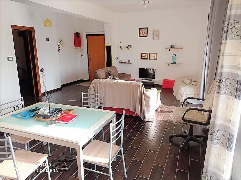 Appartamento in vendita a Cosenza, 4 locali, zona o Piccolo, prezzo € 70.000 | PortaleAgenzieImmobiliari.it