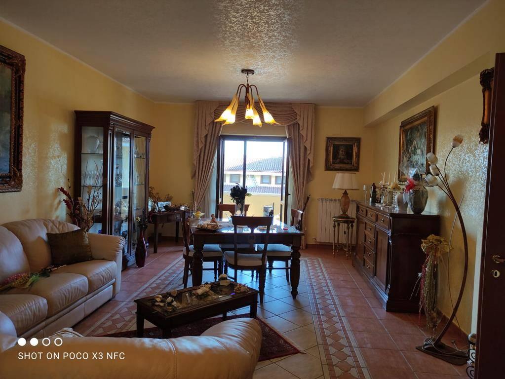 Appartamento in vendita a Marano Marchesato, 6 locali, prezzo € 160.000   CambioCasa.it