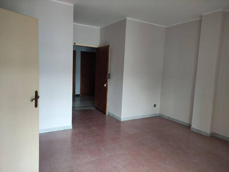 Appartamento in affitto a Rende, 3 locali, zona Località: COMMENDA, prezzo € 360 | CambioCasa.it