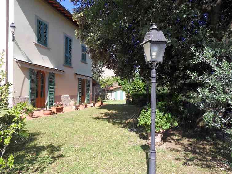 Casa singolaFirenze - Casa singola, Ospedale, Figline Valdarno, in ottime condizioni