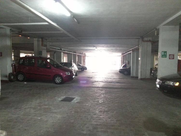 Vendita garage posto auto via fullone martina franca - Garage interrato ...