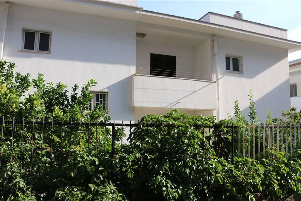 Villa a schiera in Via Alberobello, Martina Franca