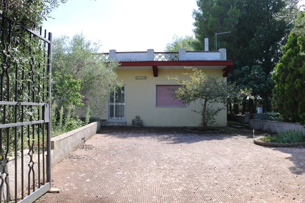 Villa in Via Taranto, Martina Franca