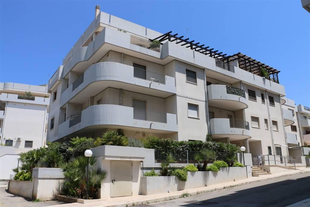 Appartamento indipendente in Via Lorenzo D'arcangelo, Martina Franca
