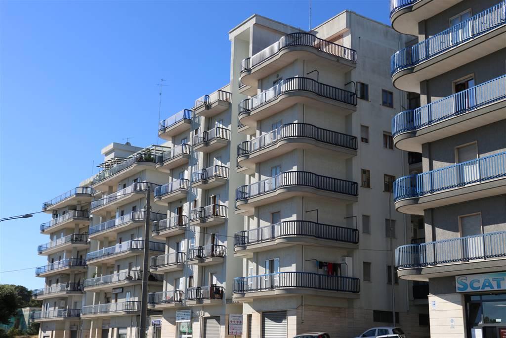 Trilocale in Via Alcide De Gasperi 94, Martina Franca