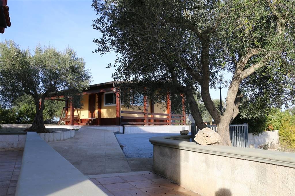 Villa Bifamiliare in affitto a Martina Franca, 6 locali, zona Località: POZZO SALERNO, Trattative riservate | CambioCasa.it