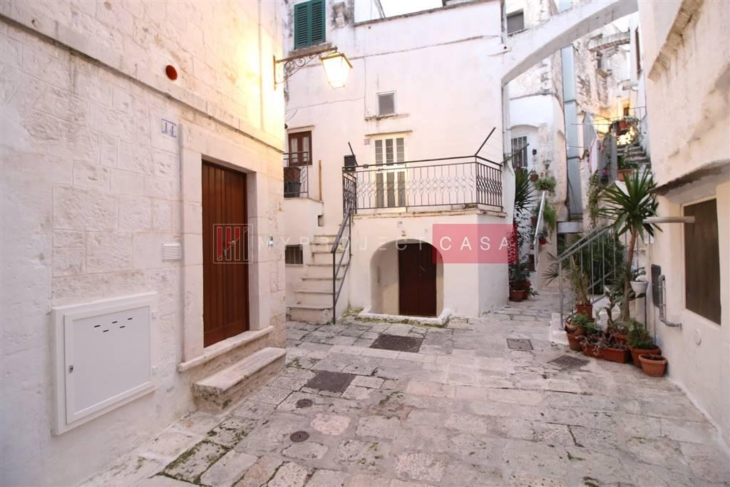 Appartamento indipendente in Via Gaetano De Amico 14, Cisternino