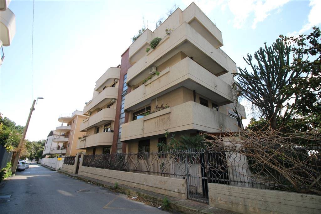 Appartamento in Via Delle Ceramiche 23, Taranto