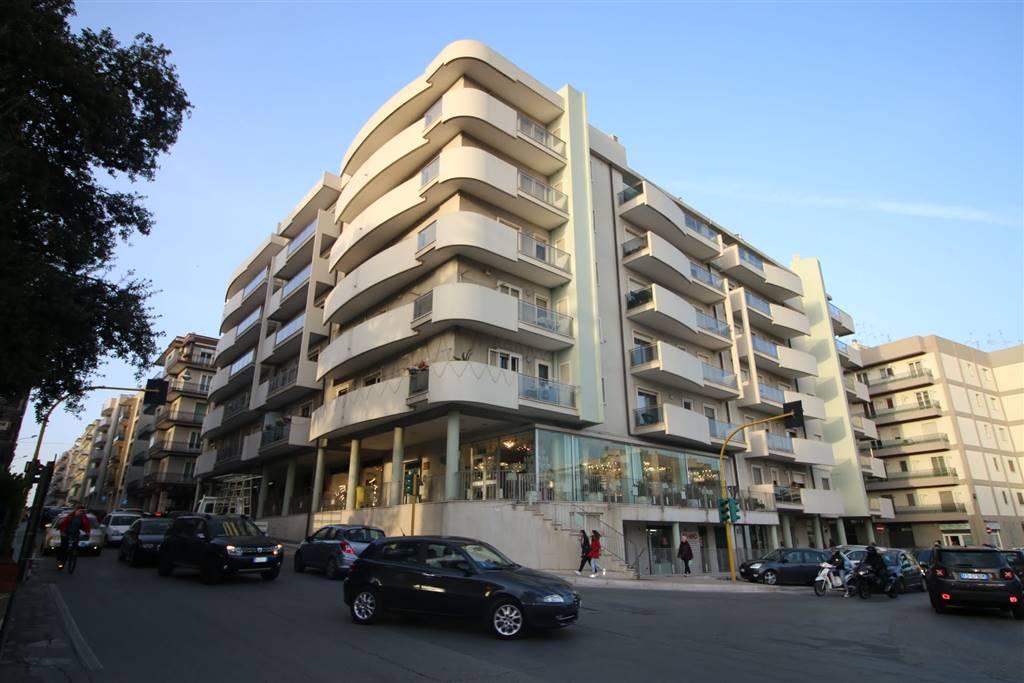 Appartamento in affitto a Martina Franca, 3 locali, zona Località: CENTRALE, prezzo € 630 | CambioCasa.it