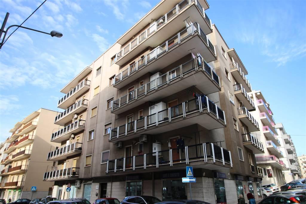 Appartamento in affitto a Martina Franca, 4 locali, zona Località: CENTRALE, prezzo € 690   CambioCasa.it