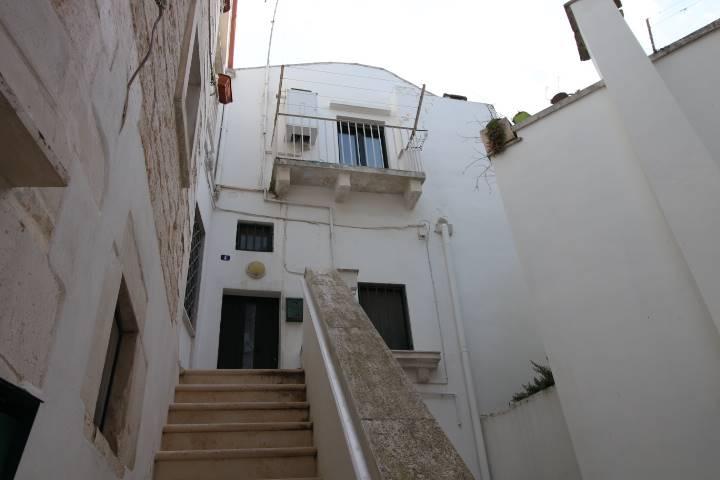 Soluzione Indipendente in affitto a Martina Franca, 2 locali, zona Località: CENTRO STORICO, prezzo € 370   CambioCasa.it