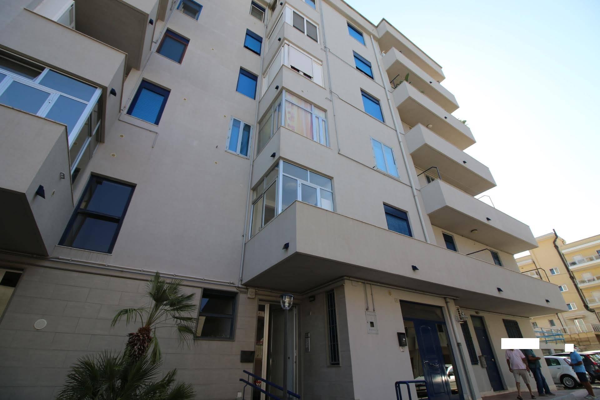 Appartamento in affitto a Martina Franca, 4 locali, zona Località: STADIO, prezzo € 550   CambioCasa.it