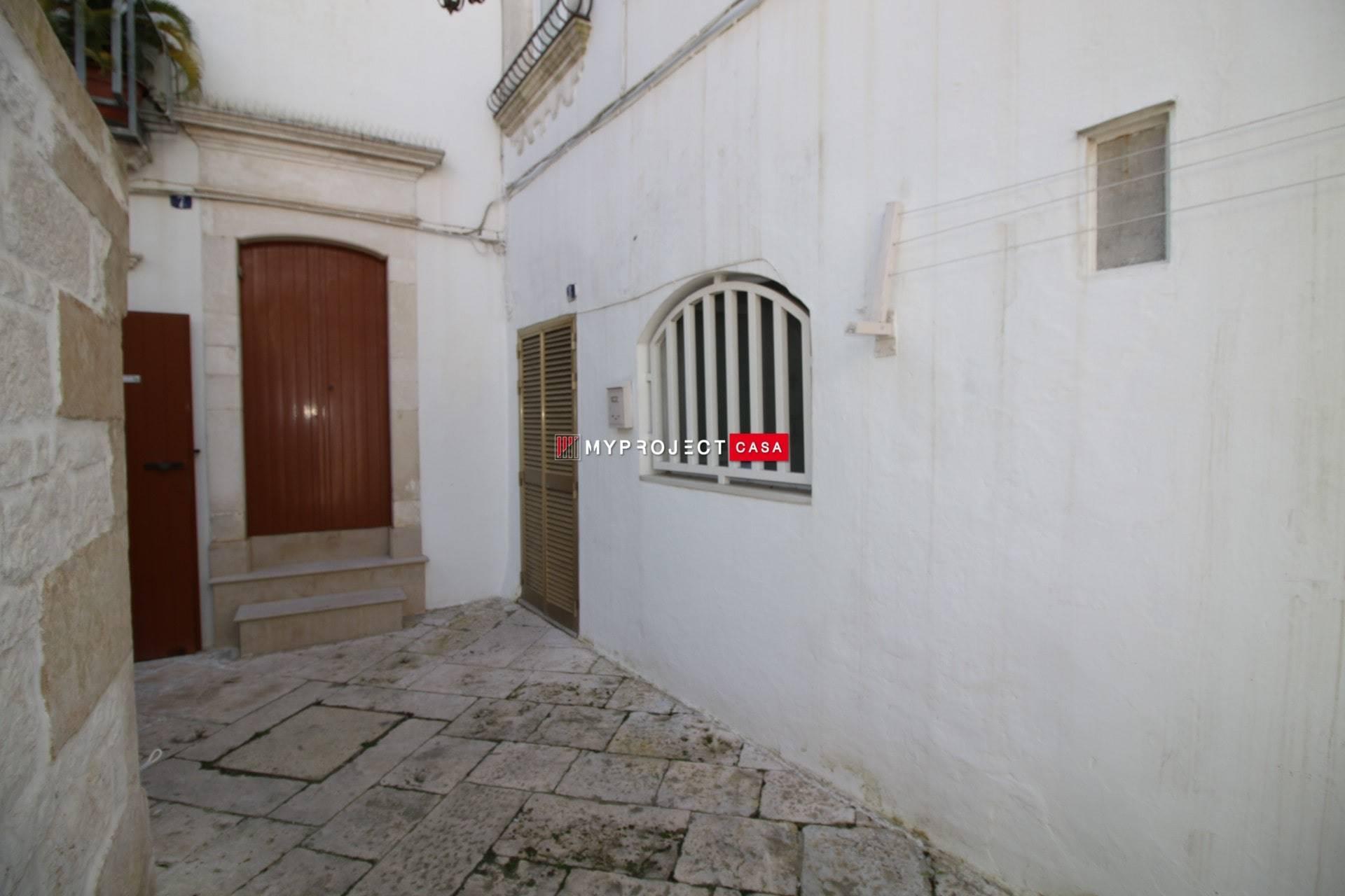 Soluzione Indipendente in affitto a Martina Franca, 2 locali, zona Località: CENTRO STORICO, prezzo € 320   CambioCasa.it