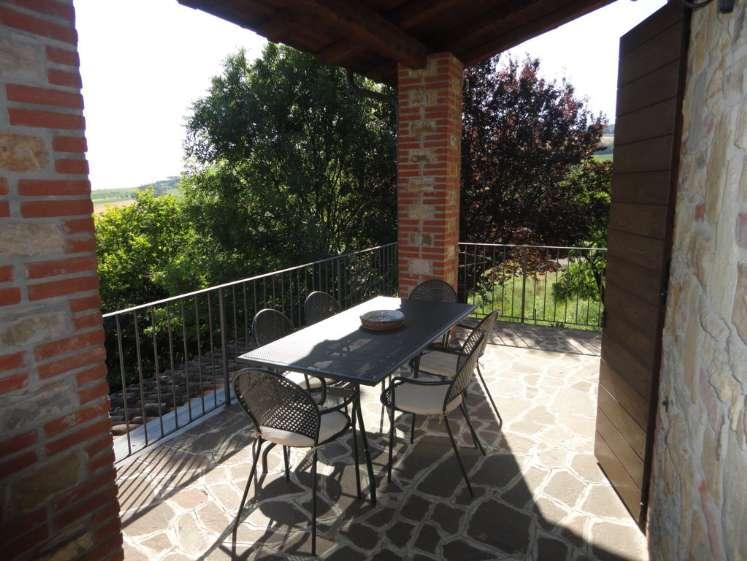 Villa, Rezzanello, Gazzola, in ottime condizioni