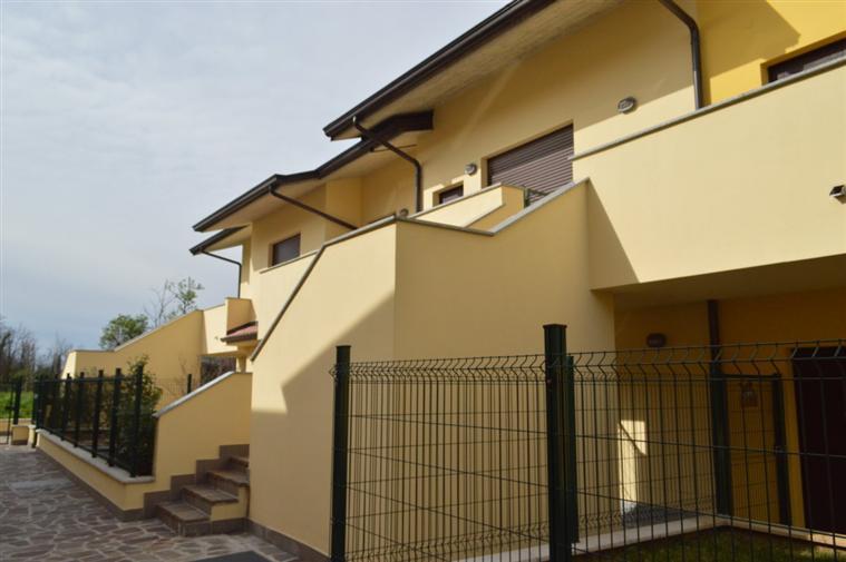 Appartamento indipendente in Via G.miglio 17, Trezzo Sull'adda