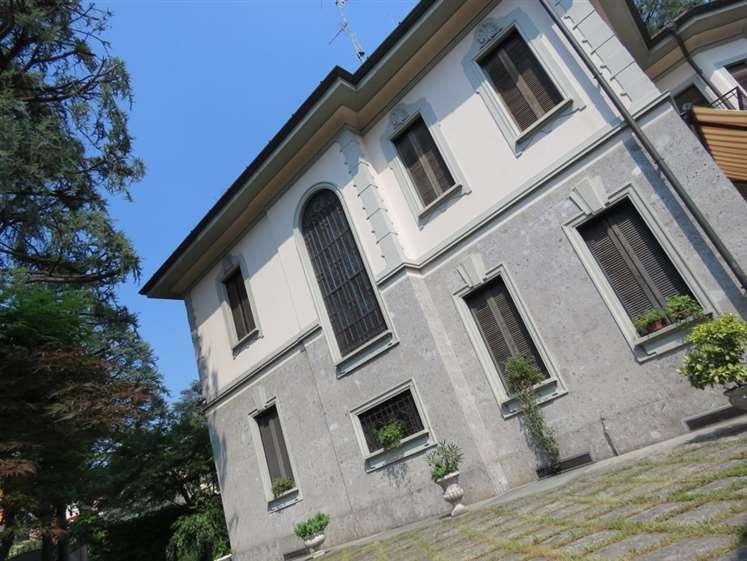 Villa, San Fruttuoso, Triante, San Carlo, San Giuseppe, Monza, ristrutturata