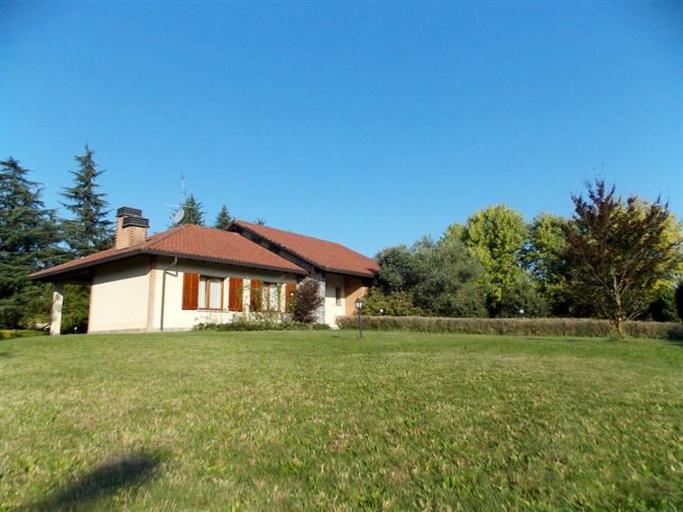 Villa in Via Del Germeone  5, Casatenovo