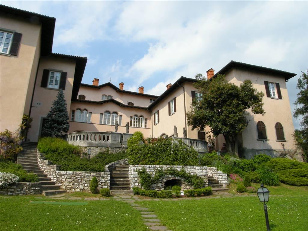 Appartamento in Via Castello 9, Cenate Sotto