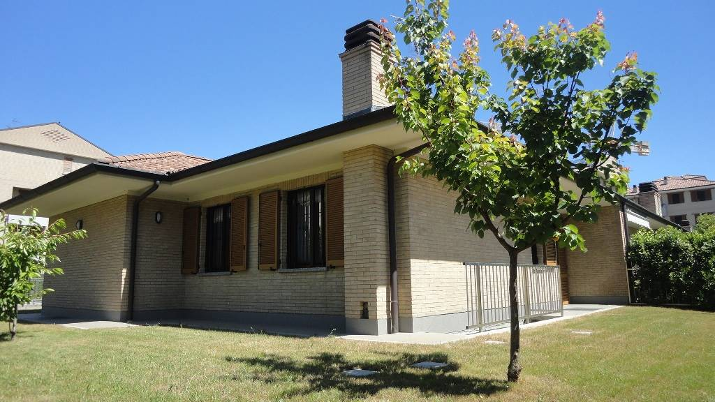 Villa in Via Aldo Moro 57, Vignate