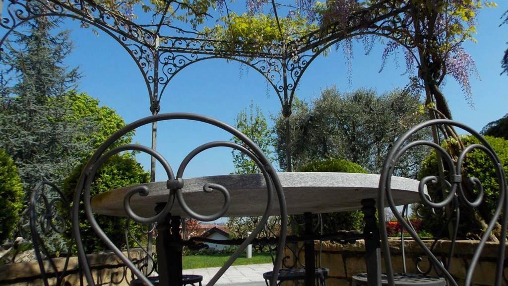 Vendita Villa MONTEVECCHIA (LC)