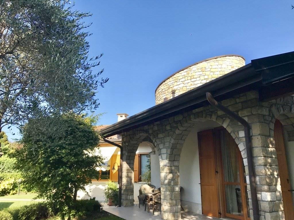 Villa in Via 2 Giugno 32, Verderio Inferiore, Verderio