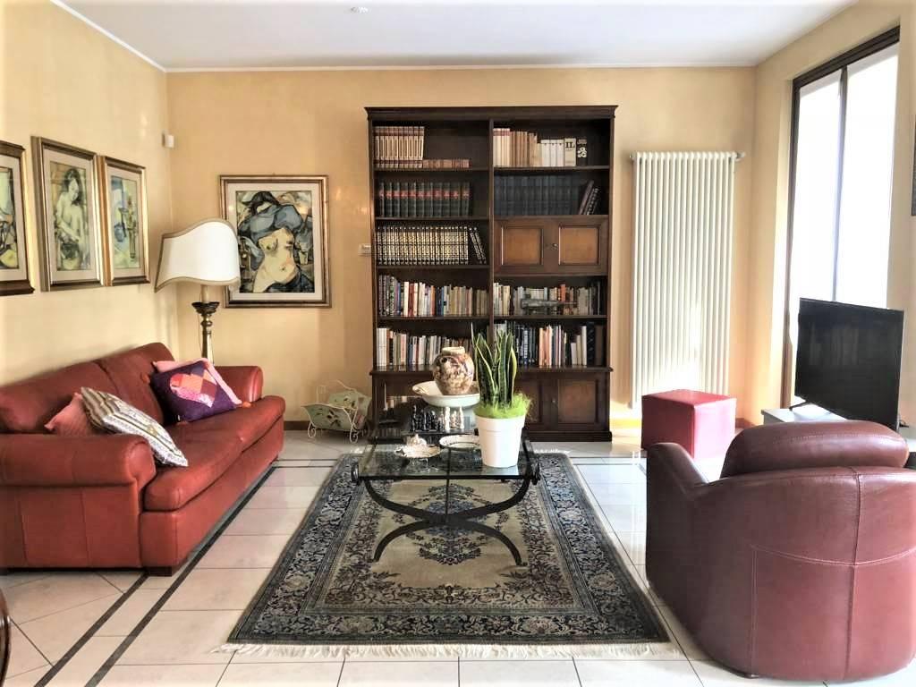 Appartamento indipendente in Via Fosse Ardeatine  27, Bellusco