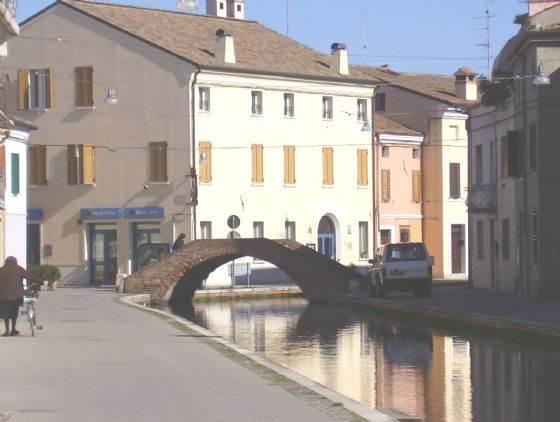 Immobile Commerciale in affitto a Comacchio, 9999 locali, zona Località: CENTRO STORICO, Trattative riservate | CambioCasa.it