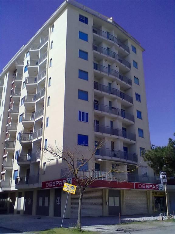 Appartamento in affitto a Comacchio, 4 locali, zona Zona: Lido degli Estensi, prezzo € 450 | CambioCasa.it