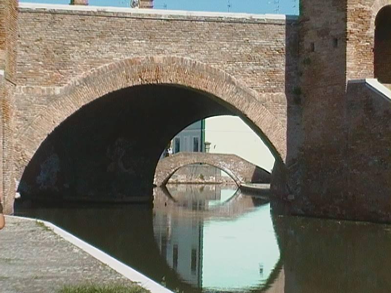 Negozio / Locale in affitto a Comacchio, 1 locali, zona Località: CENTRO STORICO, prezzo € 320 | CambioCasa.it