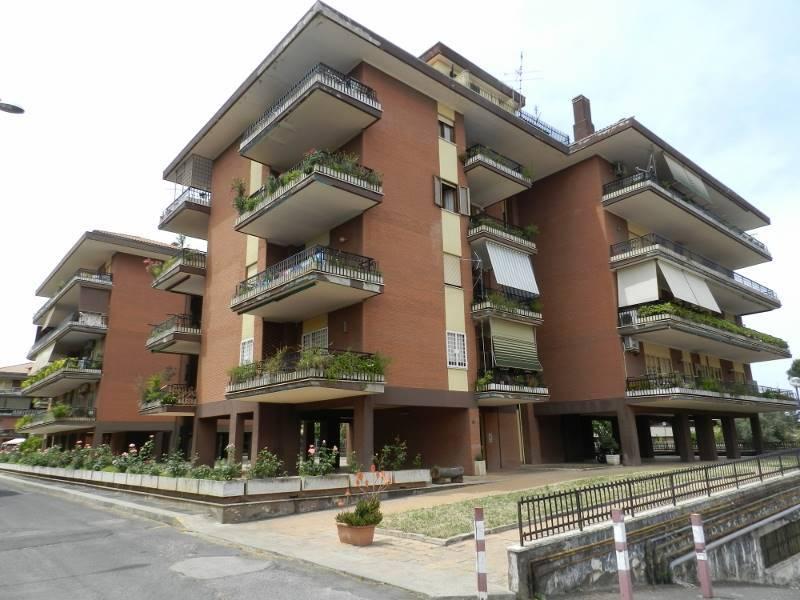 Appartamento in vendita a Roma, 3 locali, zona Zona: 37 . Morena - Ciampino - Trigoria - Falcognana, prezzo € 289.000   CambioCasa.it