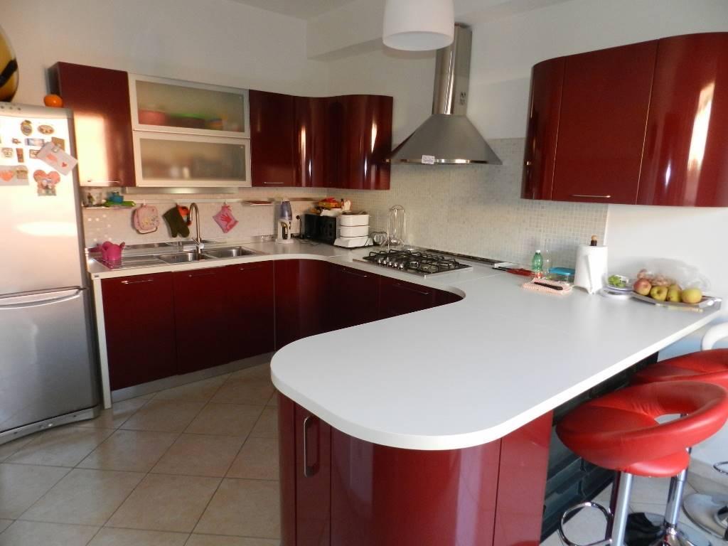 Appartamento in vendita a Roma, 2 locali, zona Zona: 37 . Morena - Ciampino - Trigoria - Falcognana, prezzo € 189.000   CambioCasa.it