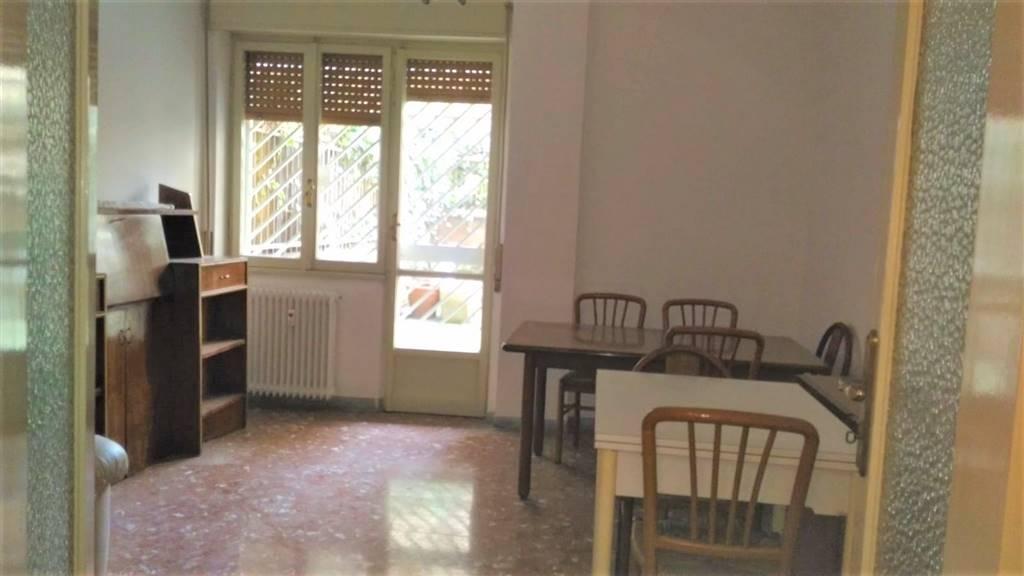 Appartamento in affitto a Roma, 2 locali, zona Zona: 12 . Cinecittà,Don Bosco, Lucrezia Romana, prezzo € 800 | CambioCasa.it