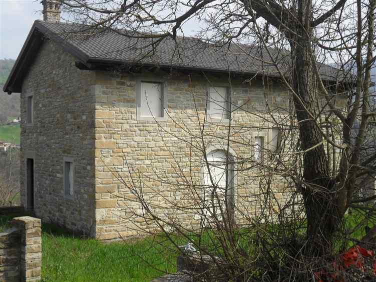 Rustico casale, Montefiorino, in nuova costruzione