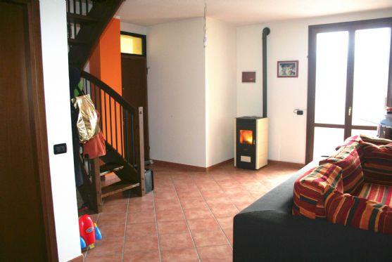 Appartamento in Via Malpasso, Baiso